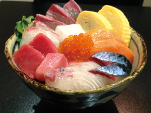 谷久主海船鮮司丼(すせんじ海鮮丼)